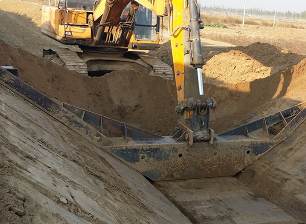 大型水渠自动成型机,大型水渠滑膜机