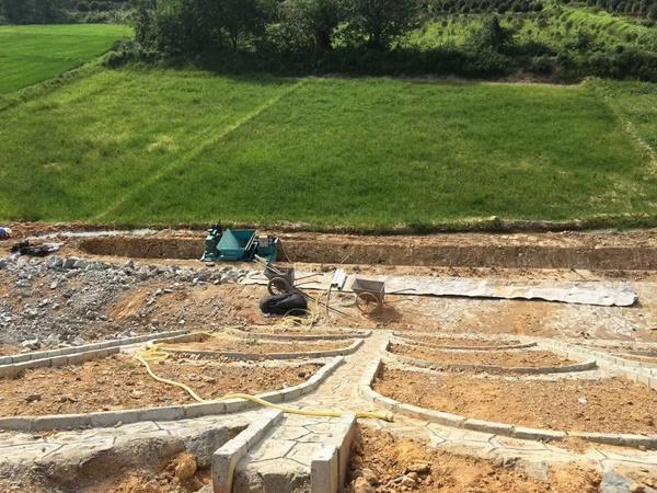 梯形边沟衬砌机,混凝土边沟成型机