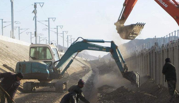 高铁边沟衬砌机,高速高铁排水沟滑膜机