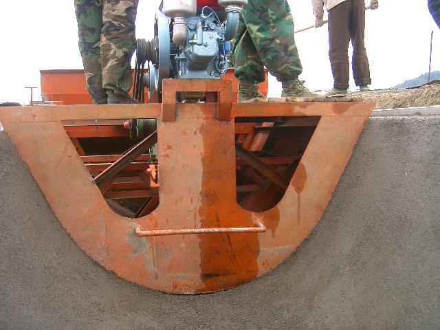 U型槽现浇成型机,U型滑膜机