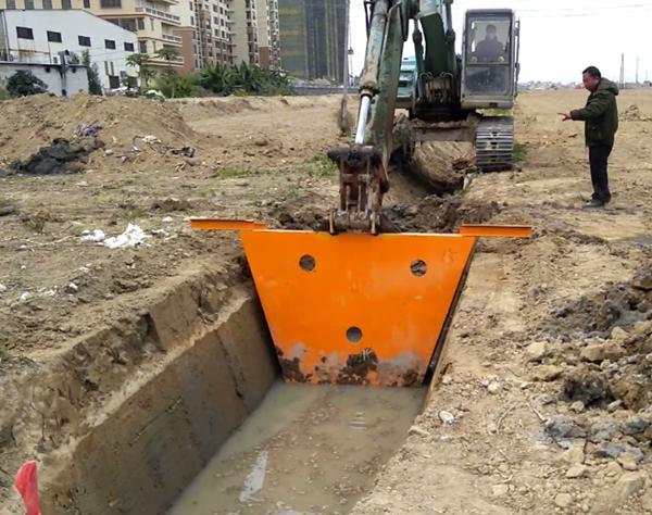 大型水渠成型机,现浇渠滑膜机